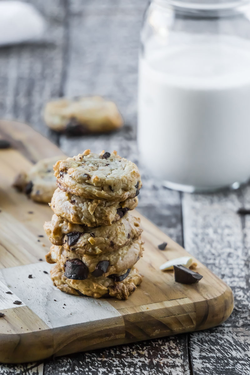 Delicious Coconut Cashew Chocolate Chip Cookies Sugar-Free