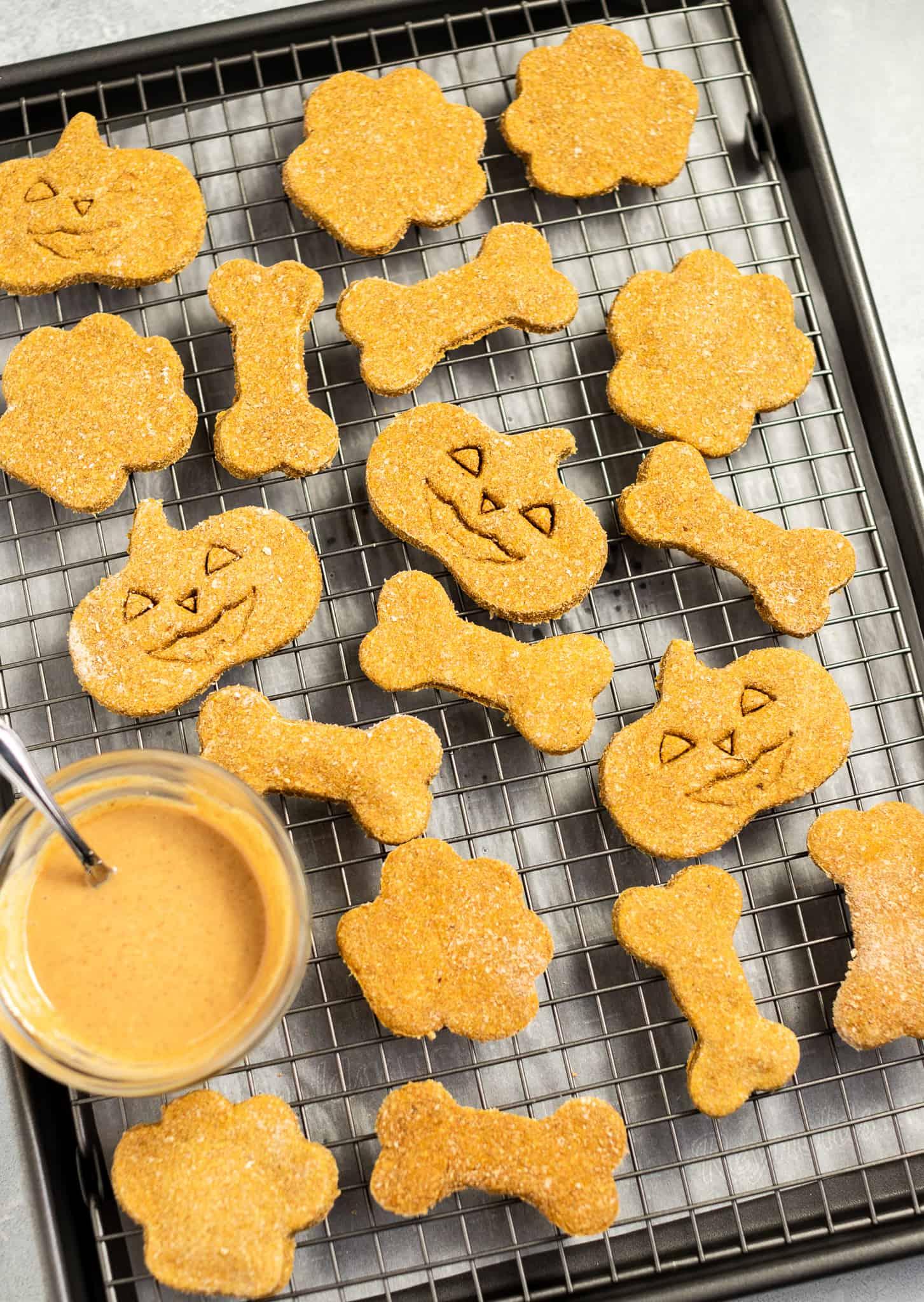 Pumpkin-Dog-Biscuits by @eatlovenamaste