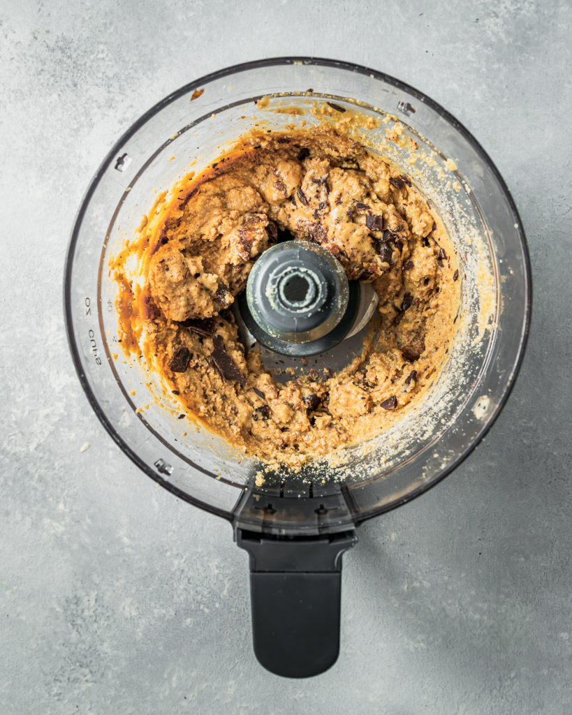 No-Bake Peanut Butter Chocolate Chip Cookie Dough