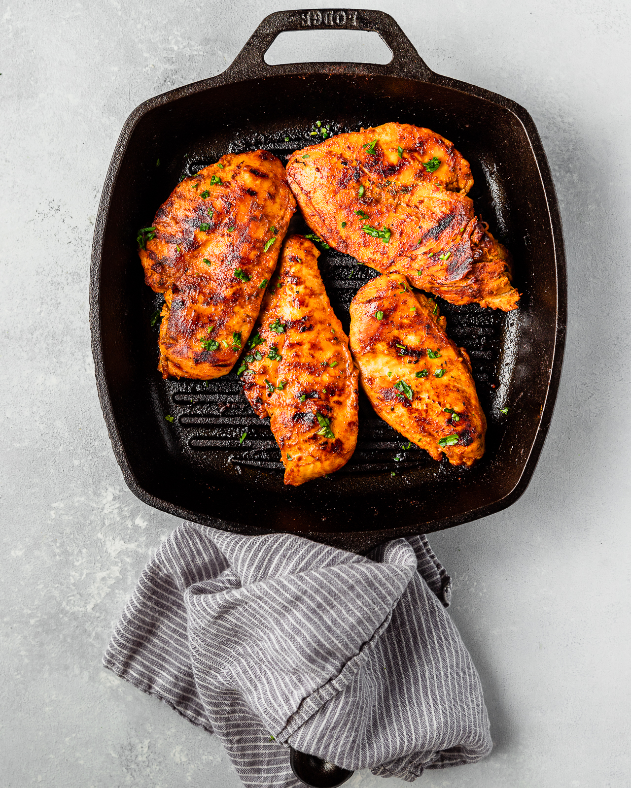 bbq chicken on a grill pan